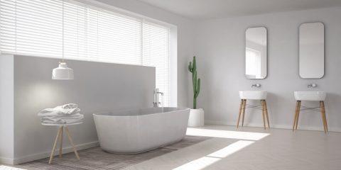 Witte scandinavische badkamer