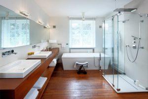 houten vloer badkamer